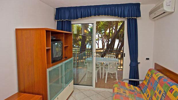 Apartments VERUDELA BEACH