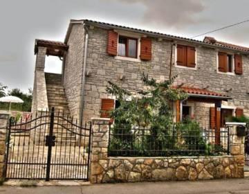 Rural House FANI